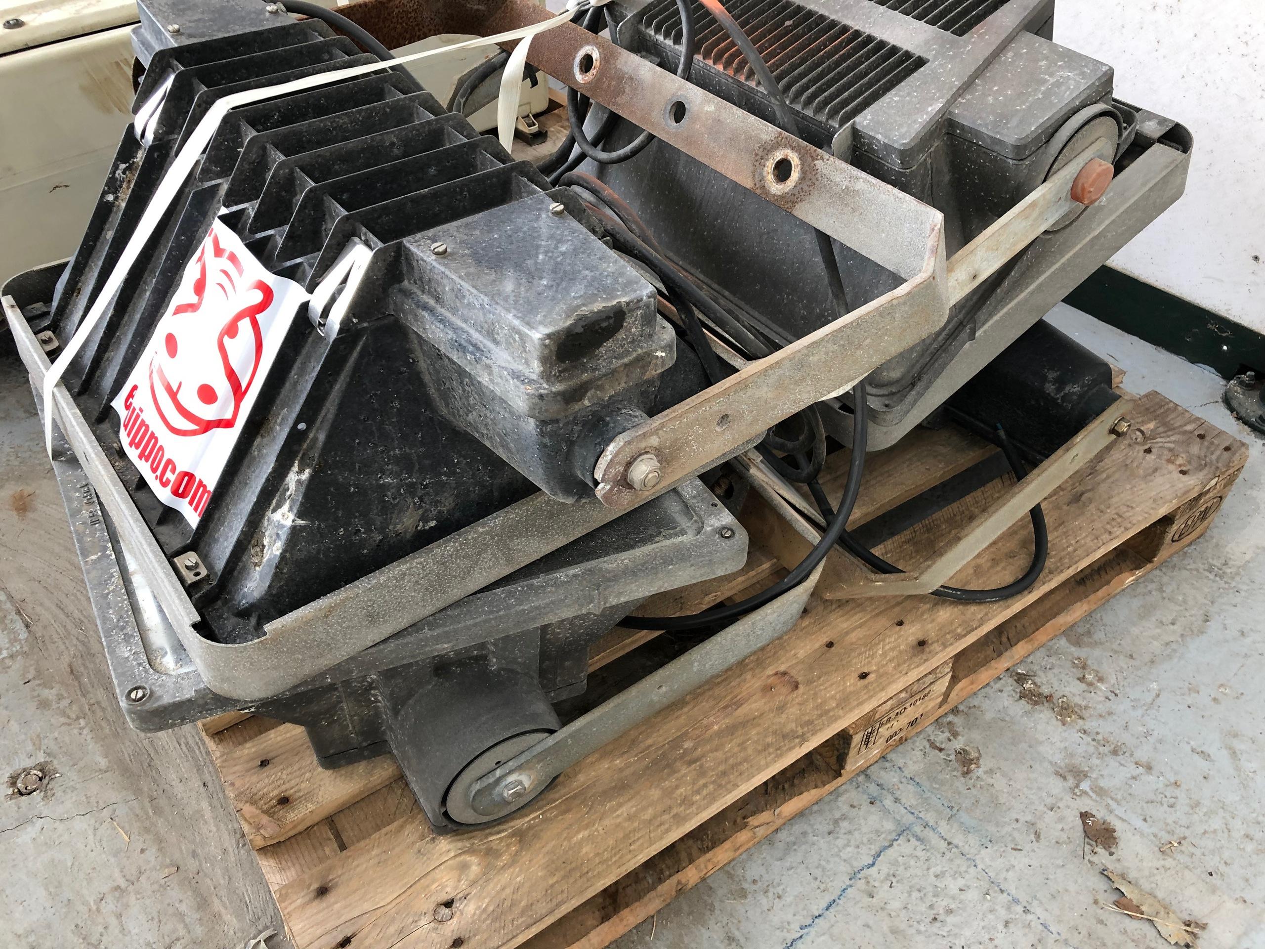 - --- 4 X PROJECTOR 1000 WATTS HDI SODIUM