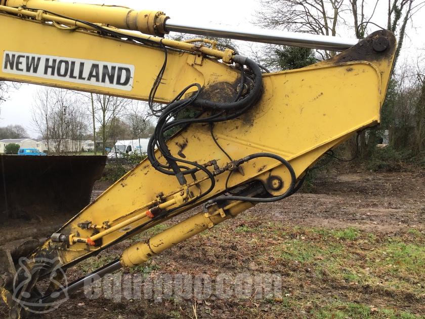 2005 New Holland E265